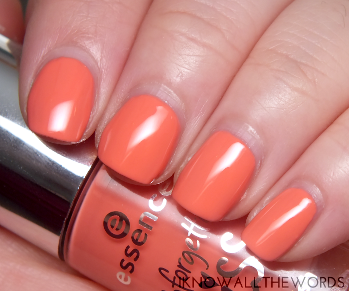 essence nail polish- 01 nothing but love stoned