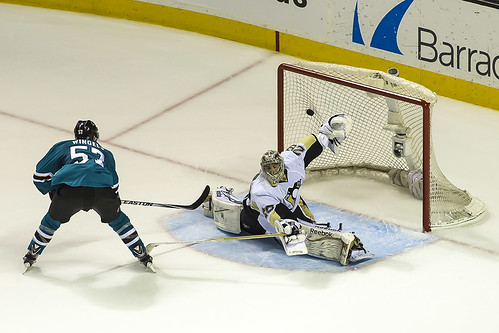 Game winning shootout goal by Tommy Wingels
