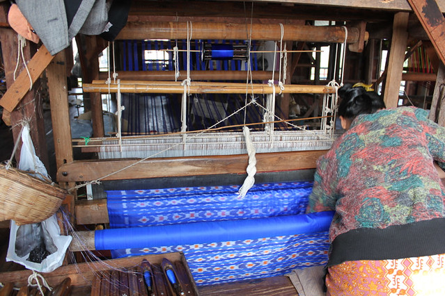 20150211_4047-Inle-silk-weaving_resize