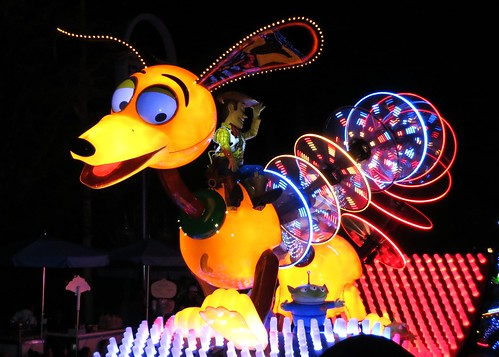 Slinky Dog and Woody in the Paint the Night parade