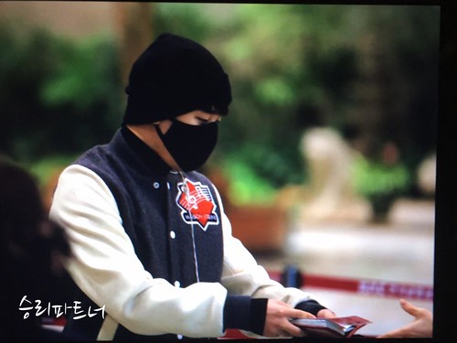 Big Bang - Gimpo Airport - 27feb2015 - Seung Ri - Partnervi - 02