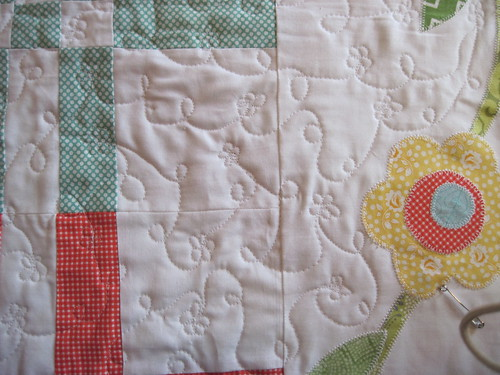 Loops and Poppies all-over quilting