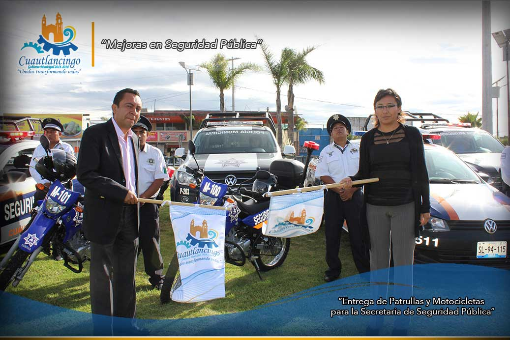 Entrega de Patrullas y Motocicletas