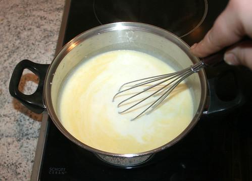 38 - Sauce aufkochen lassen / Bring sauce to a boil