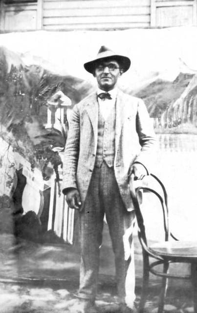 063-0018 Gustav Schulz aus Magotten im Jahre 1927 auf dem Pferdemarkt in Wehlau