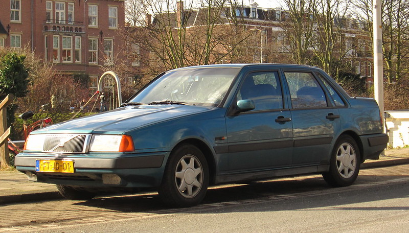 A Ee C on 1995 Volvo 740 Gle