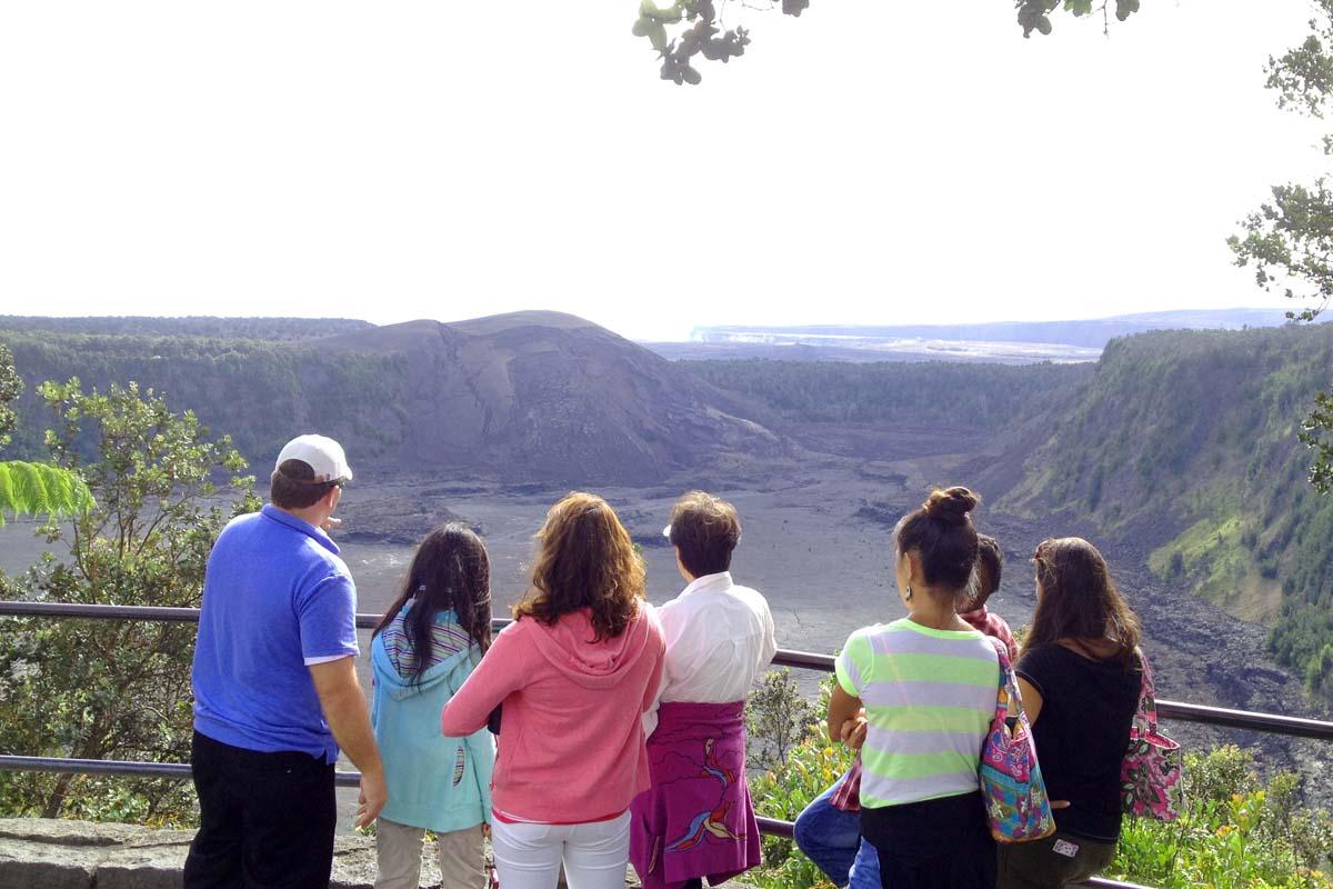 キラウエア火山国立公園でのガイド