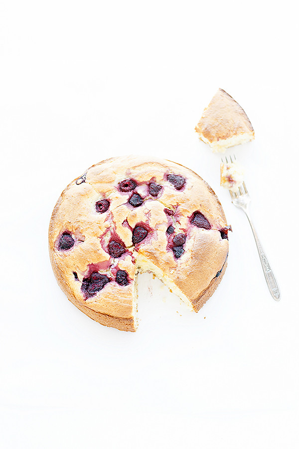 great for breakfast or dessert | easy raspberry ricotta cake