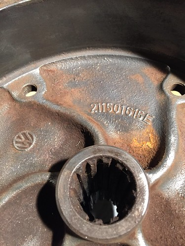 211501615E brake drum big nut