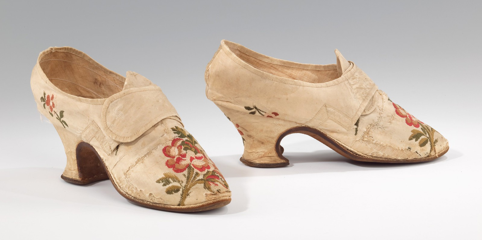 how to make 18th century shoes
