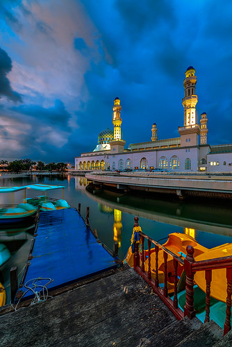 cloudy dusk mosque rainy kotakinabalu bluehour mbr sabah hdr masjid kk likas citymosque masjidbandaraya