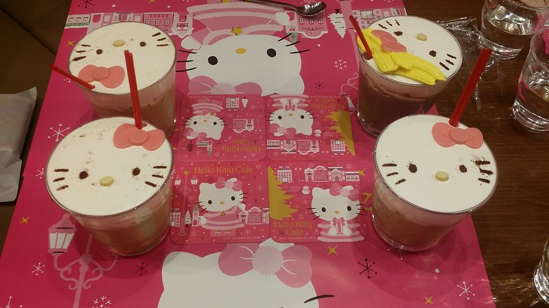 shibuya hello kitty cafe 8 - latte & hot chocolate