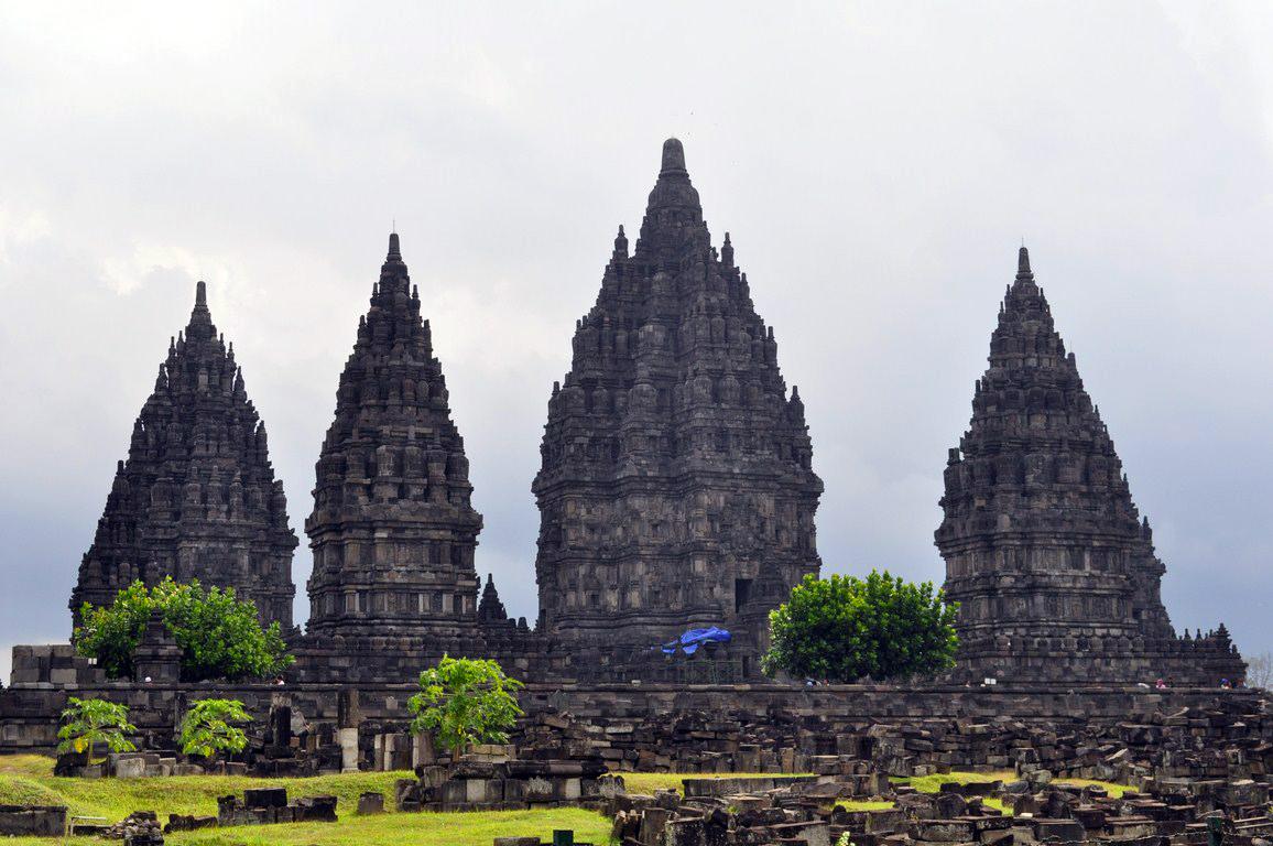 Templo de Prambanan yogyakarta - 16070027029 b02bd4f580 o - Cosas que hacer en Yogyakarta y datos prácticos