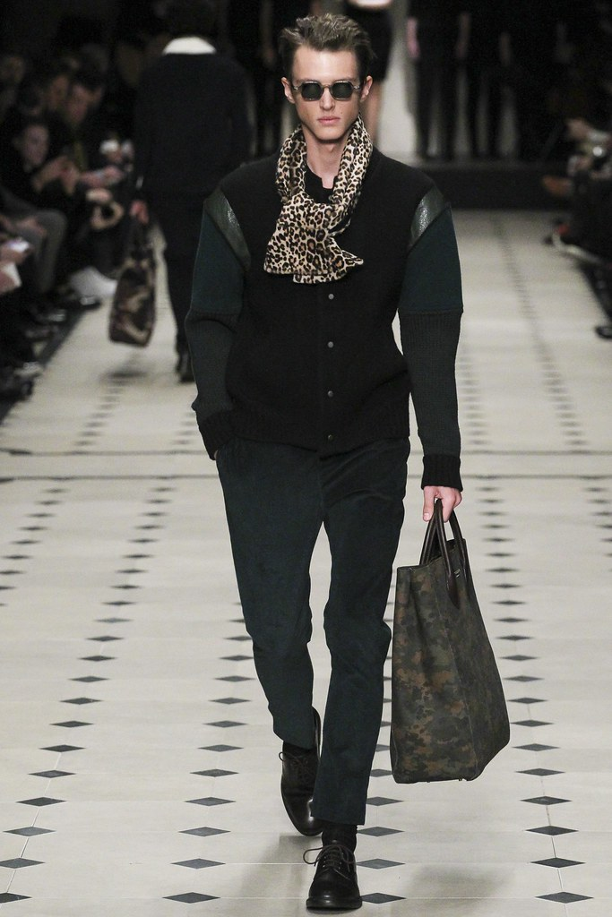 FW15 London Burberry Prorsum032_Abel van Oeveren(VOGUE)