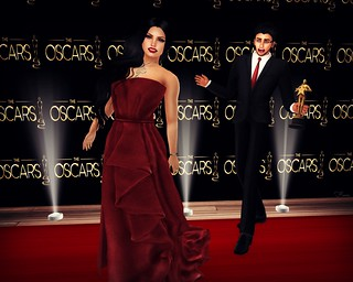 Photobombed on the red carpet