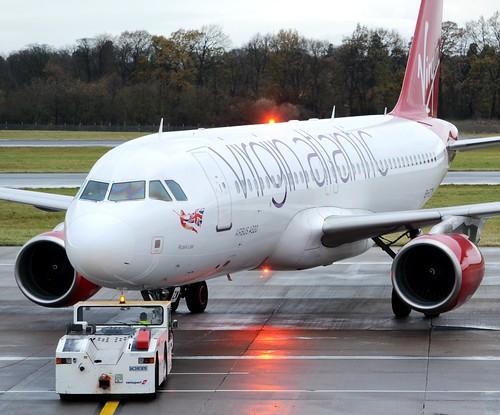 Virgin Atlantic Airways Airbus A320-214 EI-EZV Push
