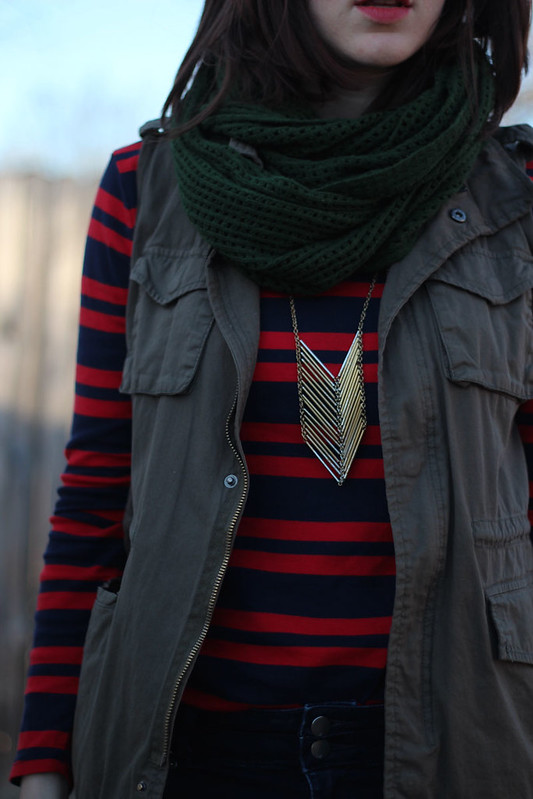 utility-vest-jeans-striped-tee-3