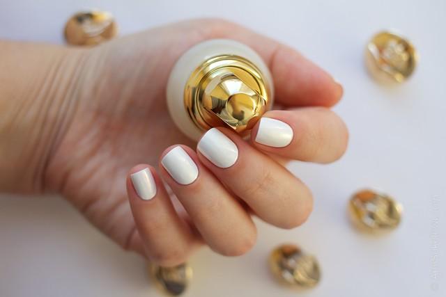 13 Dior Diorific Vernis #022 Mirror over Mavala   White + topcoat