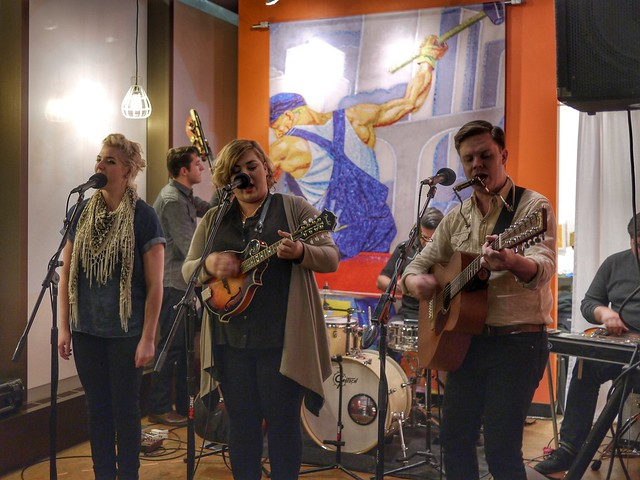 Yes on 8 Pop-Up Concert: Young Heirlooms!