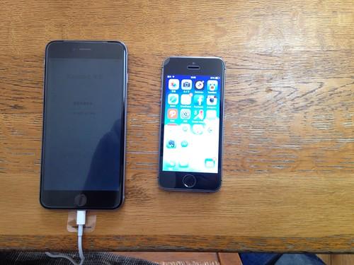 左iPhone6 plus 右iPhone5s