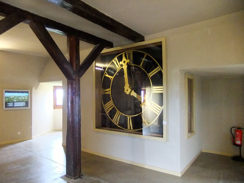 Large clockface at the top of the Old Castle Keep - Neuenburg Castle (Schloss Neuenburg) - Freyburg, Saxony-Anhalt, Germany