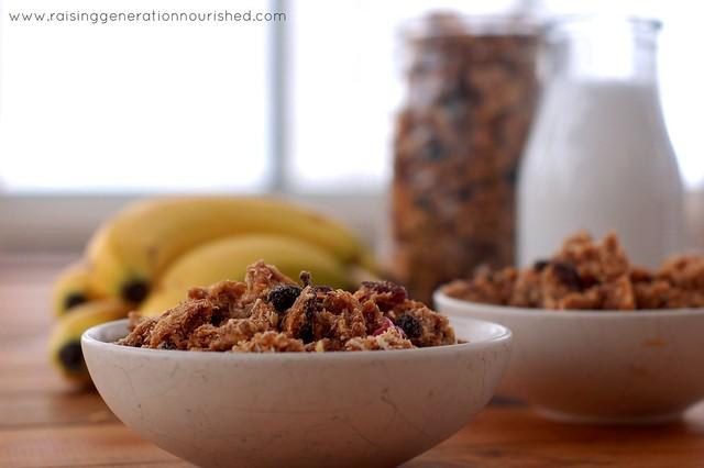 Simple Cinnamon Granola :: Gluten & Refined Sugar Free