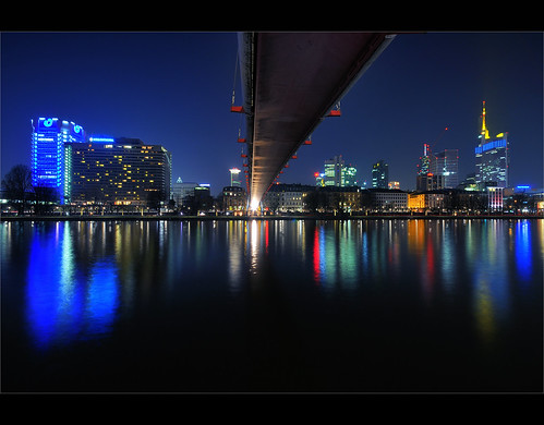 city house tower water architecture night skyscraper reflections river germany landscape deutschland lights evening town cityscape manhattan frankfurt main le hdr autofocus maintower holbeinsteg
