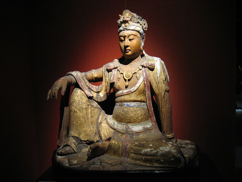 A wooden gilded statue of the bodhisattva Avalokiteśvara from the Chinese Song Dynasty