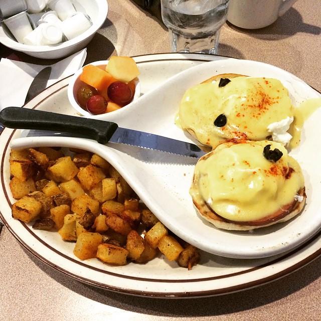 Egg Benedict at West Egg Cafe, Chicago
