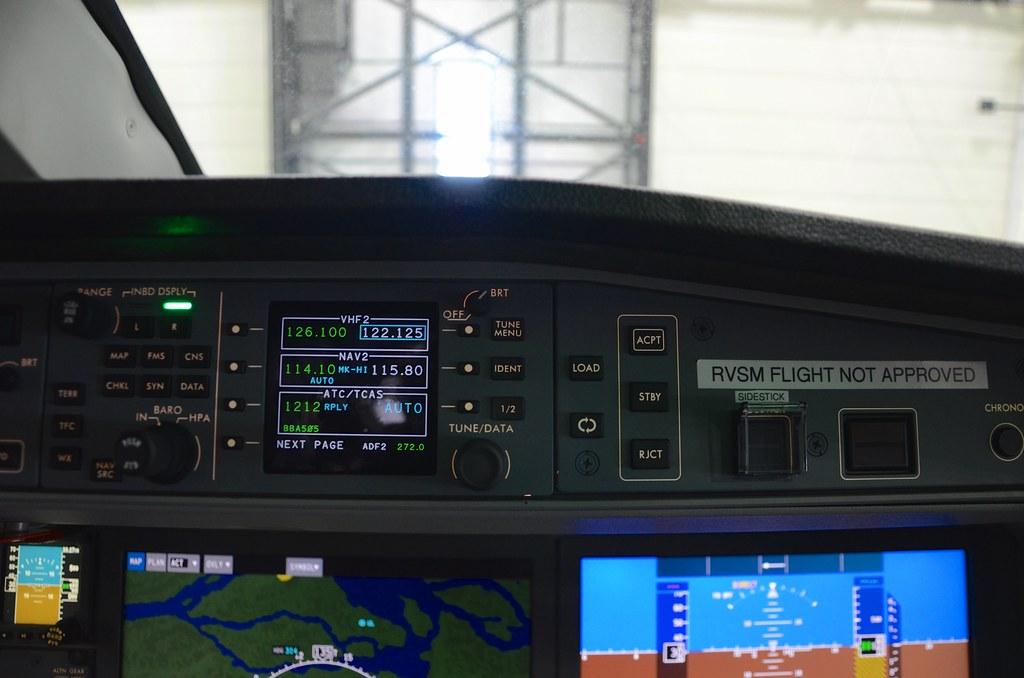 Bombardier CSeries CS100 C-GWXZ FTV5