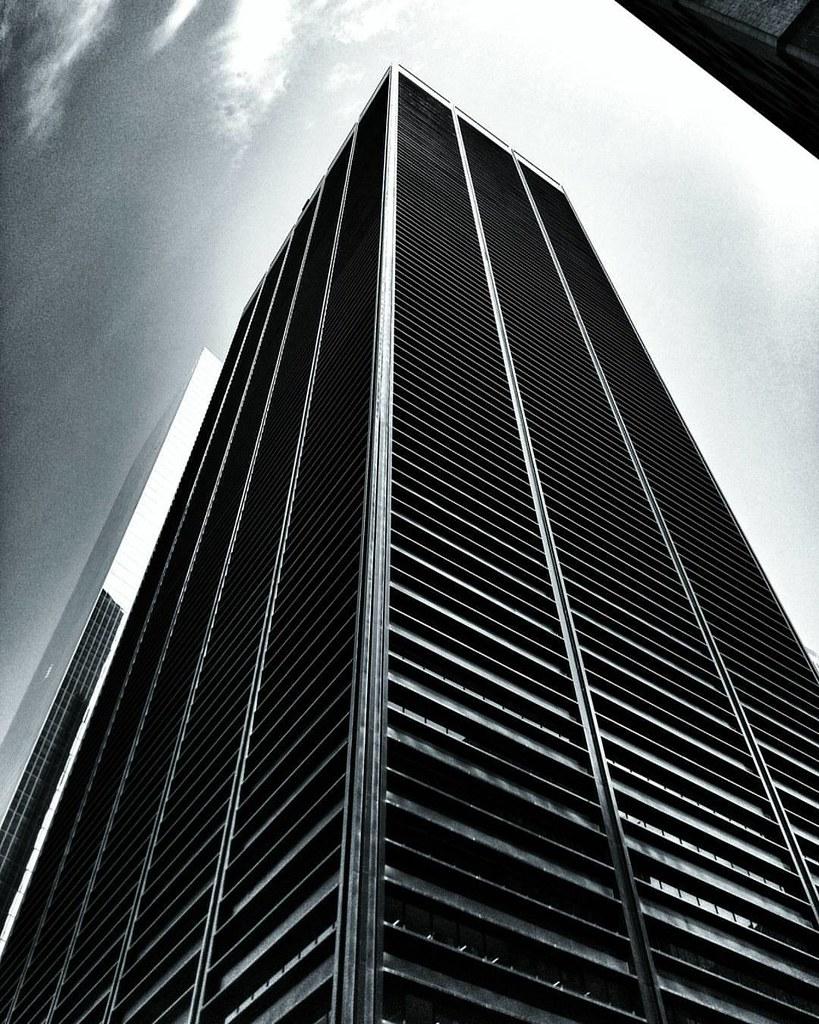 Black Building  #Newyork #nyc #newyorkcity #manhattan #Photo #Photography #Travel #travelgram #trip #iloveny #ilovenyc #newyorkphoto #instacool #instanewyork #mynyc #bigapple #Architecture #archilovers #thebigapple #igers #newyorknewyork #narcitynewyork #