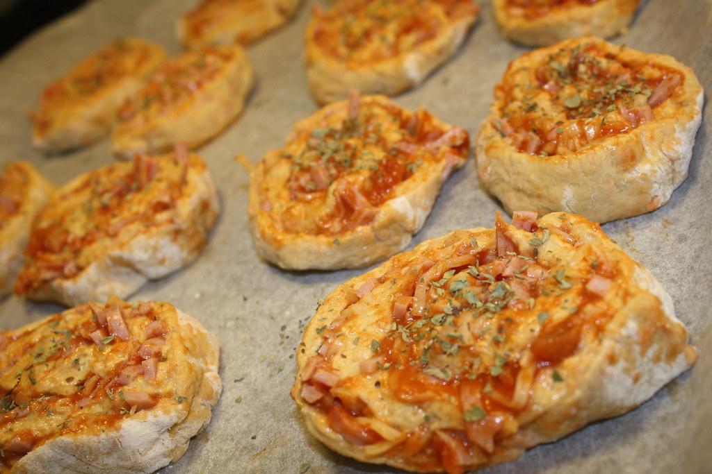 Grove pizzasnegle med skinke og ost  (9)