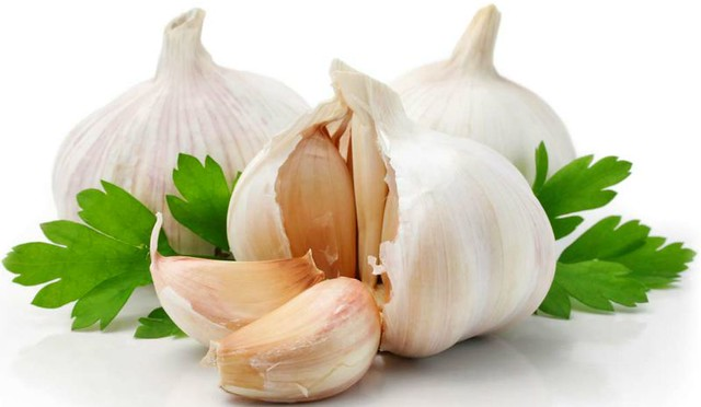 1_garlic-with-parsley-fb.jpg