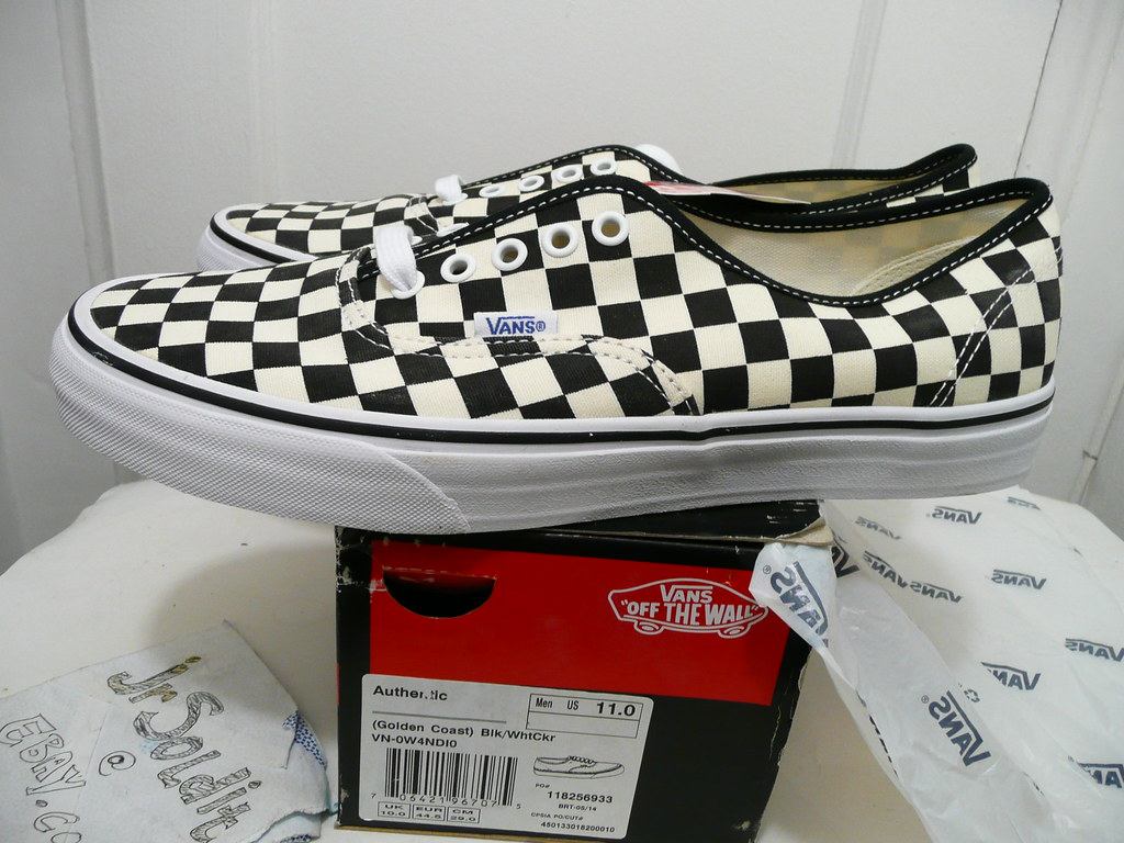 177d4cd2f16528 ... VANS Authentic (Golden Coast) (CHECKERBOARD) BLACK White CheckerBoard  New w Box (