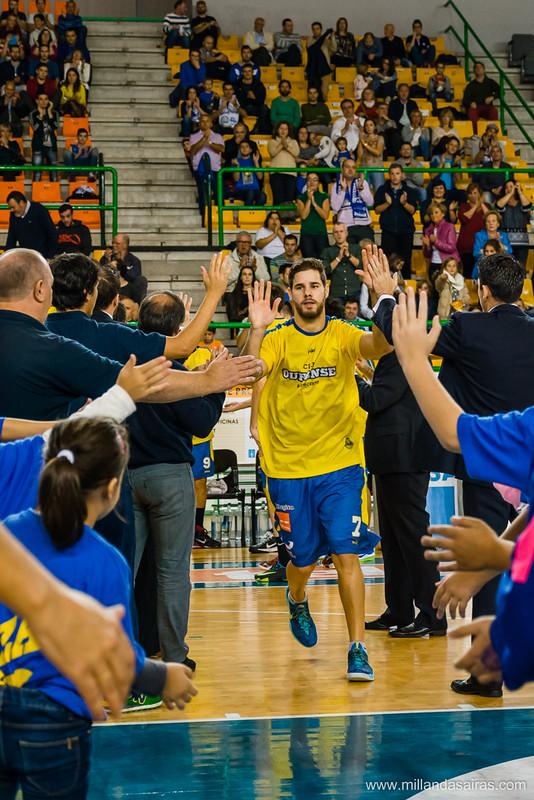Presentación del equipo en el Paco Paz. Sale Christian Díaz