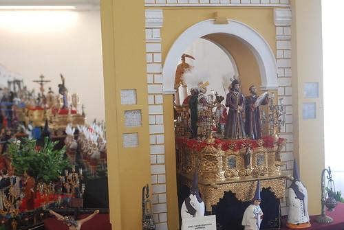 AionSur 16448242690_ccf40758b8_d La mayor exposición de pasos en miniatura llega a Arahal de la mano de Jesús Jara Cultura