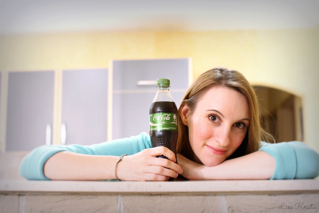coca cola life green coke review taste watery sparkling water flavor