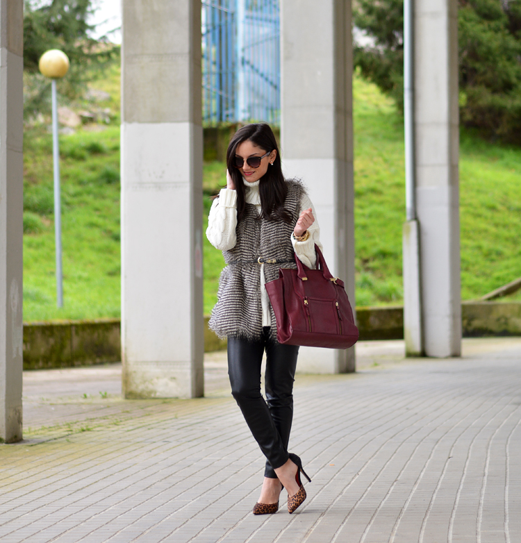 Zara_ootd_leather leggings_burdeos_vest_outfit_leopard_05