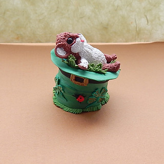 St. Patrick's Day figurine little mouse hat with a small Four Leaf Clover ,brings good luck to the house,Shamrock Clover , handmade