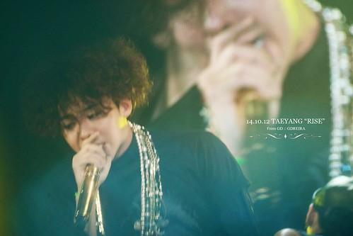 GD-guestappearance-Taeyang-RISE-Seoul-20141012_10