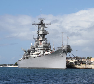 Kuva USS Missouri lähellä Hickam Field. hawaii honolulu pearl harbor