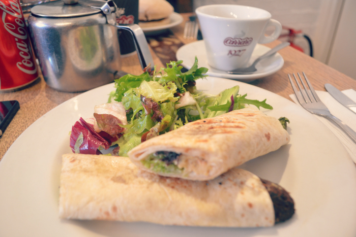 folk cafe wrap and tea