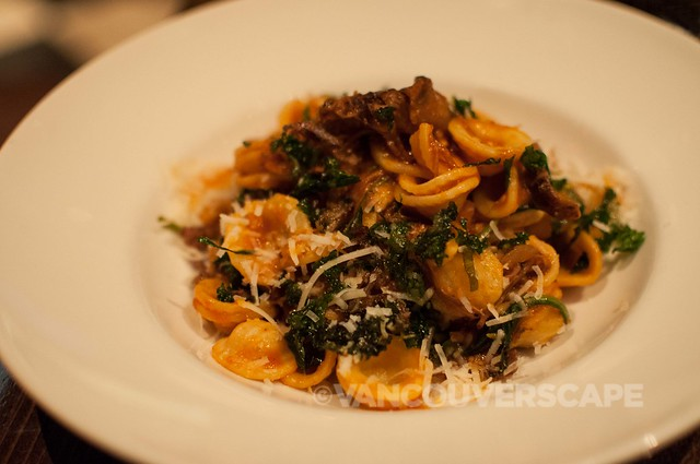 Tableau Bar and Bistro: Orecchiette pasta with short rib, tomato, kale