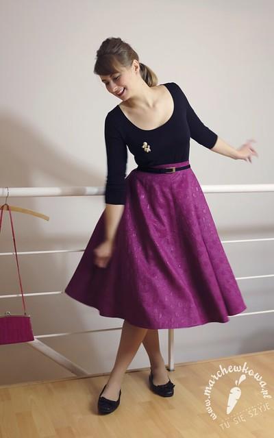 Szpilka party, 21.11.14, sewing, szycie, krawiectwo, blog, marchewkowa, circle skirt, spódnica z koła, buttrick 5605, wykrój, pattern, żakard, bawełna