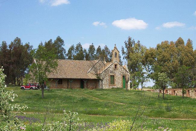 Iglesia-escuela del Cerro del Hierro. © Paco Bellido, 2006