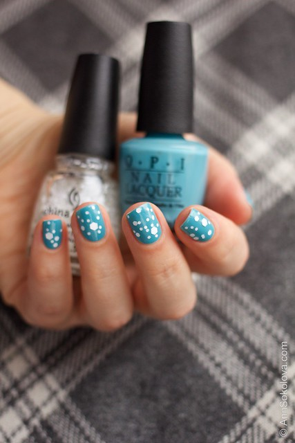 04 OPI   Can't Find My Czechbook + China Glaze   Chillin' With My Snow Mies