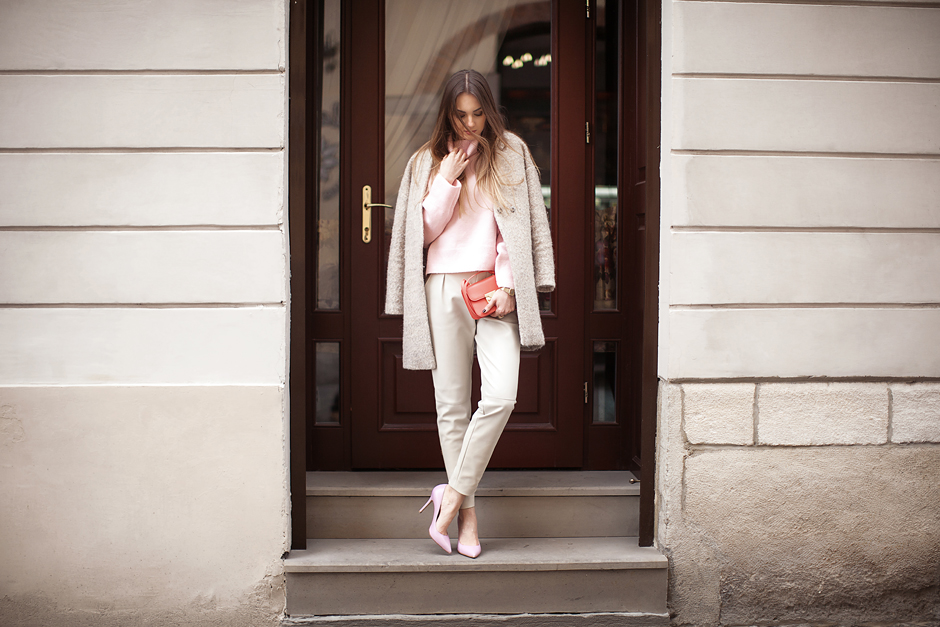 pastel-coat-street-style-outfit