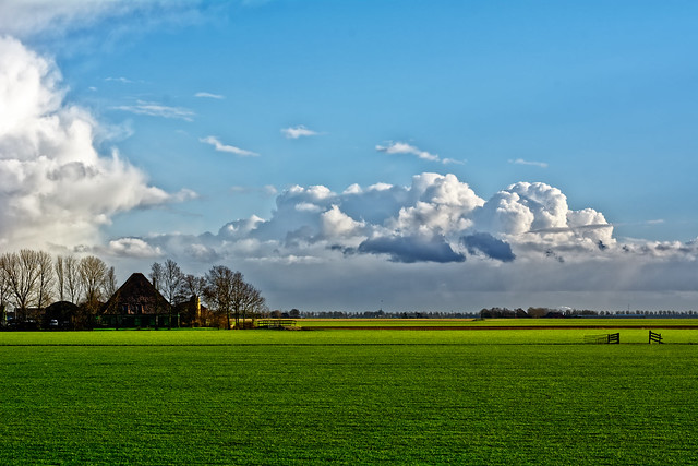 Agrusoft Webdesign Photopage - Heavy Clouds And Green Pastures