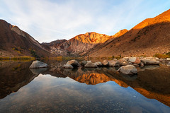 a beautiful autumn morning at convict lake