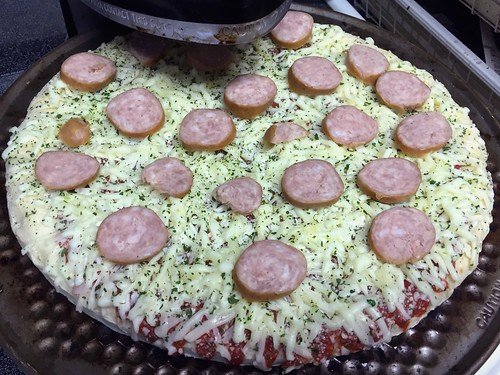 DiGiorno Pizza Doctored Up With Dogfish Head Bratwurst